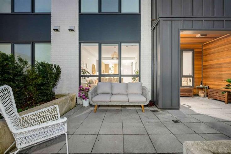 102 733 E 3RD STREET - Queensbury Apartment/Condo for sale, 1 Bedroom (R2560845)