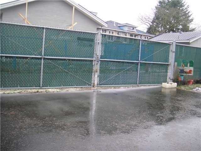Large gate back alley