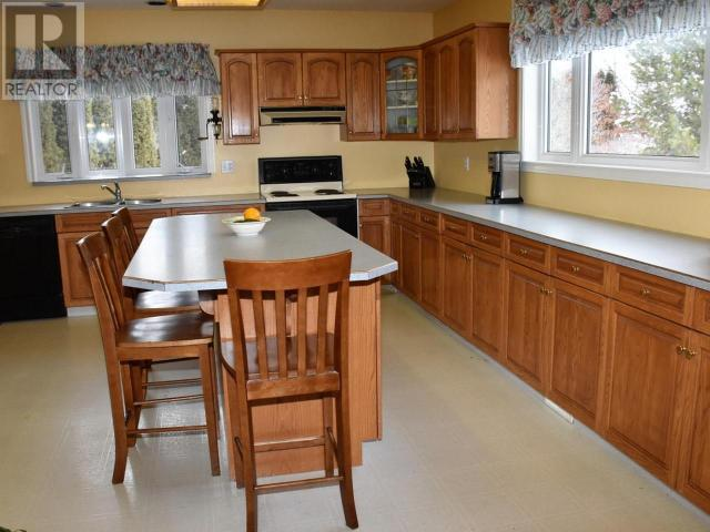 4535 HWY 97 - Oliver House for sale, 4 Bedrooms (175993) #10