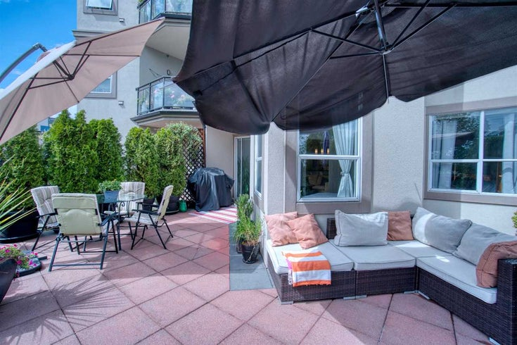 202 131 W 3 STREET - Lower Lonsdale Apartment/Condo for sale, 2 Bedrooms (R2473824)
