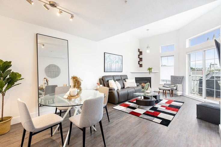 418 147 E 1ST STREET - Lower Lonsdale Apartment/Condo for sale, 2 Bedrooms (R2598098)