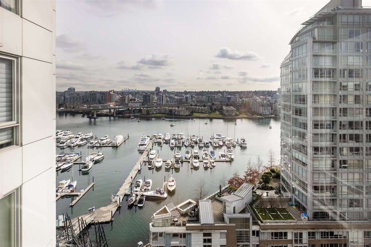 1906 1201 MARINASIDE CRESCENT - Yaletown Apartment/Condo for sale, 2 Bedrooms (R2582285)