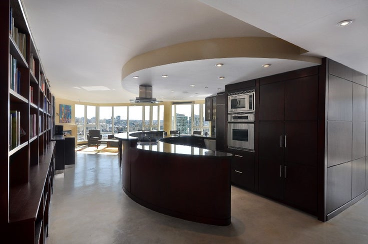 1901 1383 Marinaside Crescent - Yaletown Apartment/Condo for sale, 2 Bedrooms (R2000502)