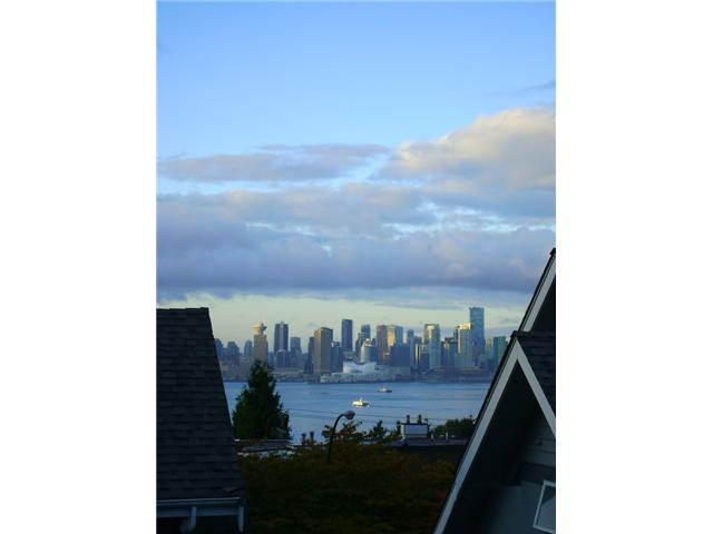 # 7 260 E 4TH ST - Lower Lonsdale Townhouse for sale, 3 Bedrooms (V930745) #1