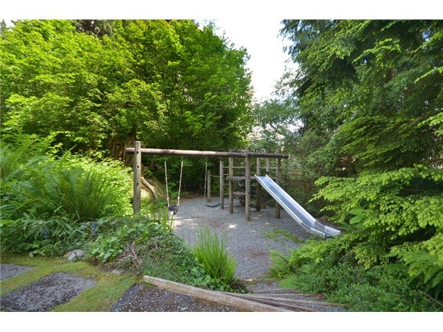 1566 MCNAIR DR - Lynn Valley Townhouse for sale, 3 Bedrooms (V949489) #1