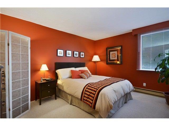 # 202 444 LONSDALE AV - Lower Lonsdale Apartment/Condo for sale, 1 Bedroom (V968237) #1