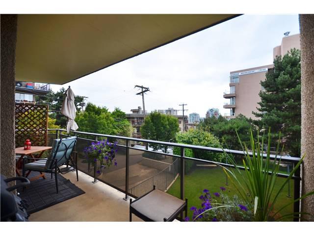 # 202 444 LONSDALE AV - Lower Lonsdale Apartment/Condo for sale, 1 Bedroom (V968237) #4