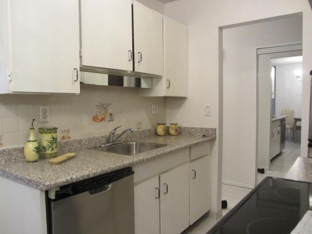 # 302 214 E 15TH ST - Central Lonsdale Apartment/Condo for sale, 1 Bedroom (V1041184) #3