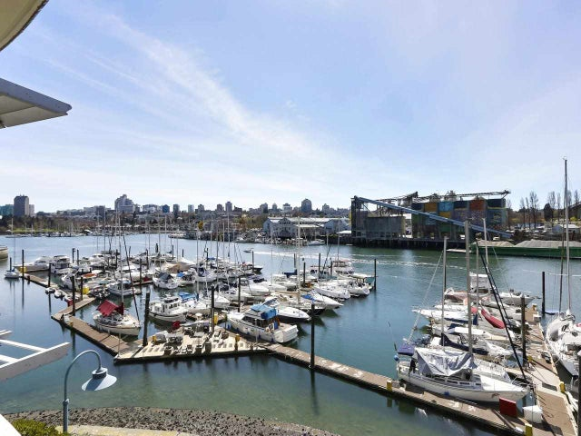 302 628 KINGHORNE MEWS - Yaletown Apartment/Condo for sale, 2 Bedrooms (R2549611)