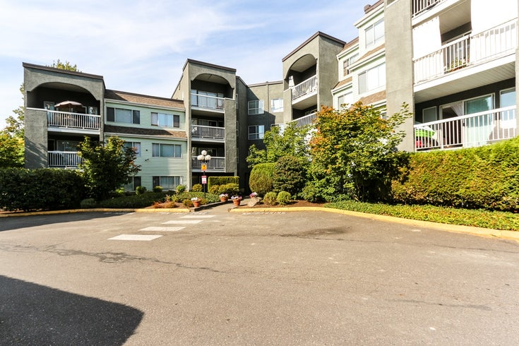 3 5700 200 STREET - Langley City Apartment/Condo for sale, 1 Bedroom (R2000916)