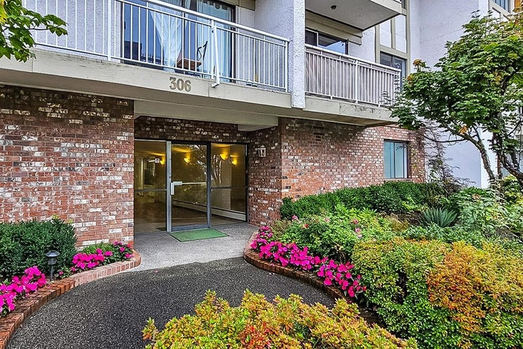 306 306 W 1ST STREET - Lower Lonsdale Apartment/Condo for sale, 2 Bedrooms (R2618100)