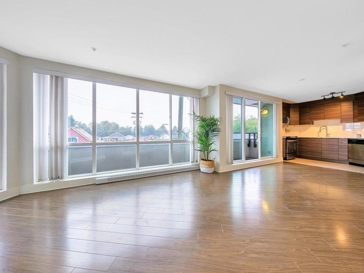 201 4338 COMMERCIAL STREET - Victoria VE Apartment/Condo for sale, 1 Bedroom (R2609898)
