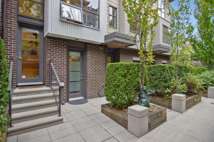 3639 COMMERCIAL STREET - Victoria VE Townhouse for sale, 3 Bedrooms (R2611483)