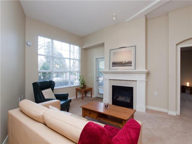 # 110 960 LYNN VALLEY RD - Lynn Valley Apartment/Condo for sale, 1 Bedroom (V934250)