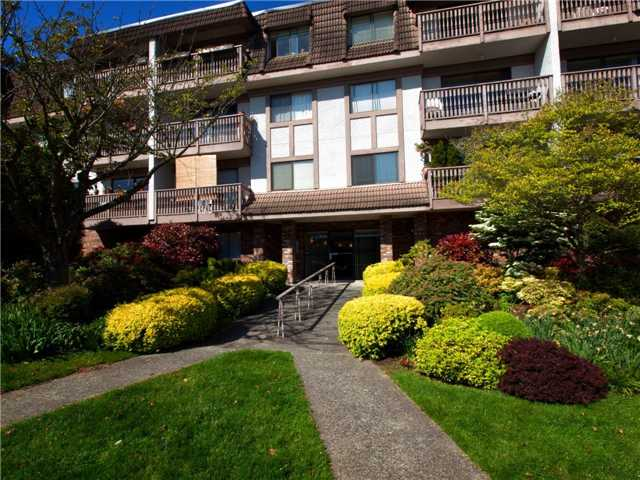 # 302 236 W 2ND ST - Lower Lonsdale Apartment/Condo for sale, 1 Bedroom (V958107)