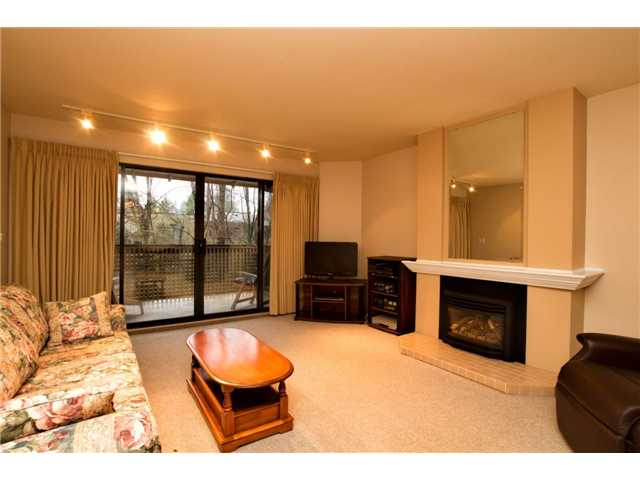 # 301 3187 MOUNTAIN HY - Lynn Valley Apartment/Condo for sale, 2 Bedrooms (V984064)