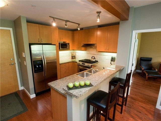 # 420 580 RAVEN WOODS DR - Roche Point Apartment/Condo for sale, 2 Bedrooms (V1052463)