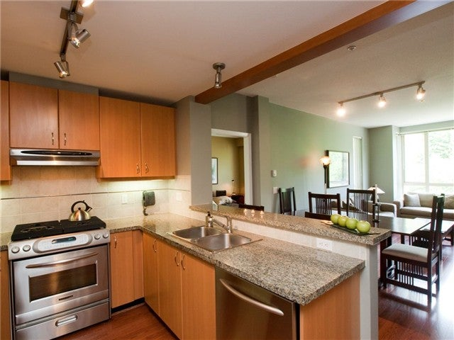 # 420 580 RAVEN WOODS DR - Roche Point Apartment/Condo for sale, 2 Bedrooms (V1083884)