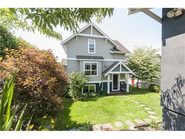 # A 403 ALDER ST - Lower Lonsdale 1/2 Duplex for sale, 2 Bedrooms (V1126419)
