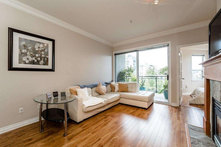 #301 131 W 3RD STREET - Lower Lonsdale Apartment/Condo for sale, 2 Bedrooms (R2102658)