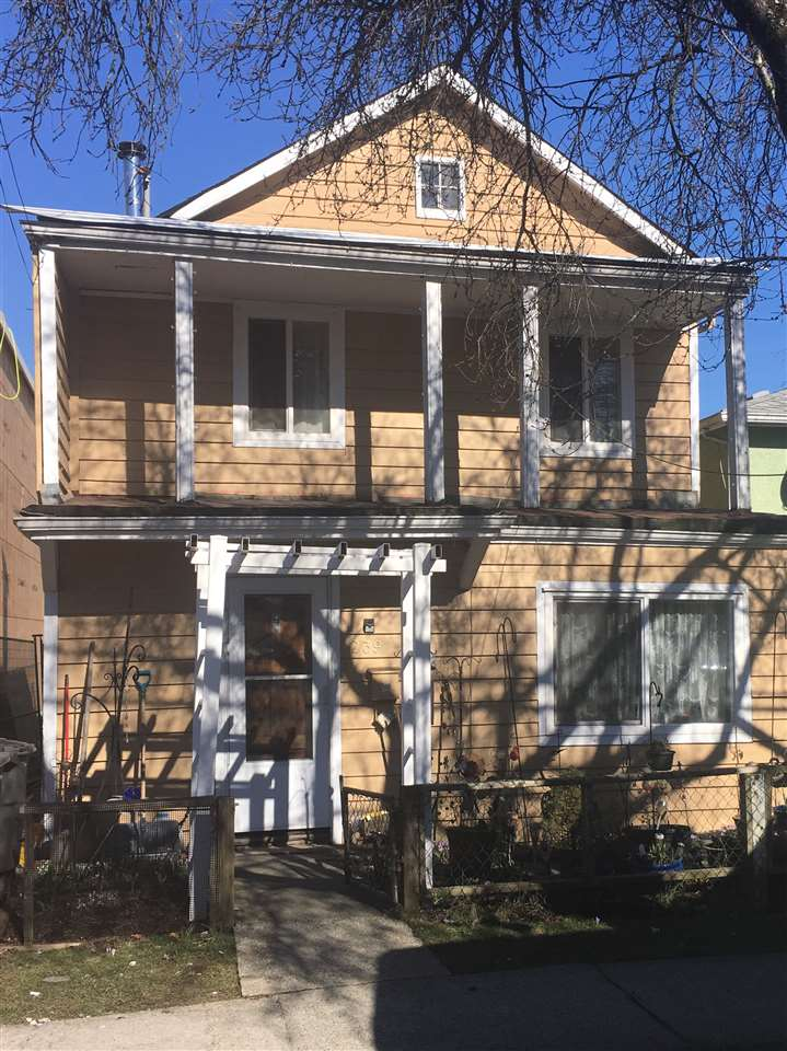 239 E 26TH AVENUE - Main House/Single Family for sale, 2 Bedrooms (R2345879)