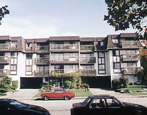 # 308 252 W 2ND ST - Lower Lonsdale Apartment/Condo for sale, 2 Bedrooms (V389328) #1
