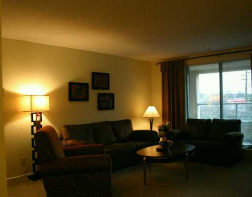 # 209 223 MOUNTAIN HY - Lynnmour Apartment/Condo for sale, 2 Bedrooms (V569856) #2