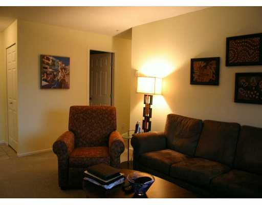# 209 223 MOUNTAIN HY - Lynnmour Apartment/Condo for sale, 2 Bedrooms (V569856) #1