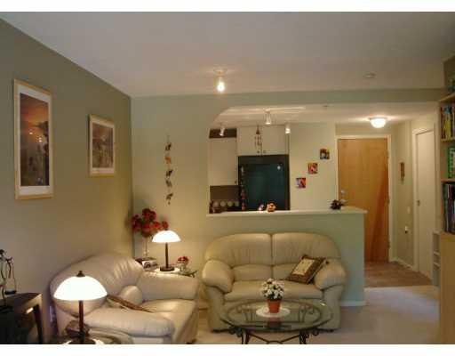 # 203 1111 LYNN VALLEY RD - Lynn Valley Apartment/Condo for sale, 1 Bedroom (V613439) #3