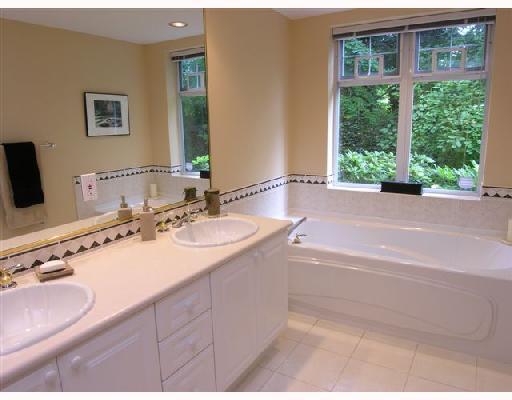 # 105 1140 STRATHAVEN DR - Northlands Apartment/Condo for sale, 2 Bedrooms (V663288) #1