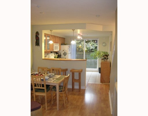 # 11 288 ST DAVIDS AV - Lower Lonsdale Townhouse for sale, 2 Bedrooms (V675884) #3