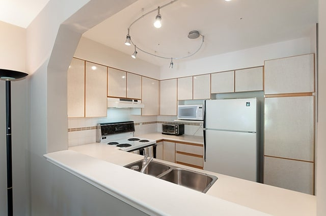 # 211 3770 MANOR ST - Central BN Apartment/Condo for sale, 1 Bedroom (V950004) #19