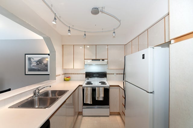 # 211 3770 MANOR ST - Central BN Apartment/Condo for sale, 1 Bedroom (V950004) #20