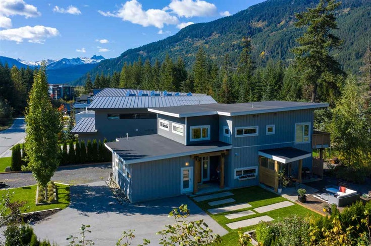 1087 MADELEY PLACE - Cheakamus Crossing House/Single Family for sale, 4 Bedrooms (R2591047)