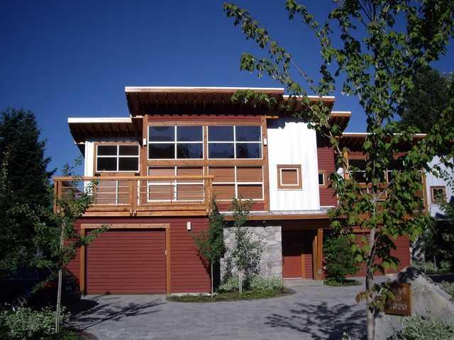 2014 KAREN CR - VWHWH 1/2 Duplex for sale, 4 Bedrooms (V946249)
