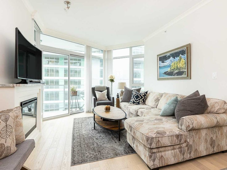 605 199 VICTORY SHIP WAY - Lower Lonsdale Apartment/Condo for sale, 2 Bedrooms (R2411568)