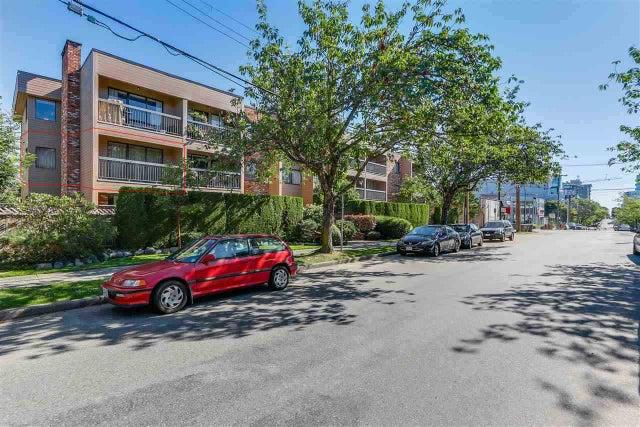 208 1825 W 8TH AVENUE - Kitsilano Apartment/Condo for sale, 2 Bedrooms (R2539592)