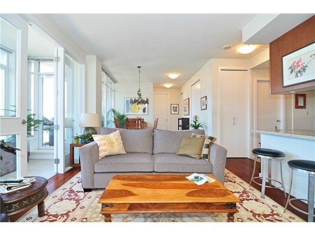# 805 2055 YUKON ST - False Creek Apartment/Condo for sale, 2 Bedrooms (V1035864)