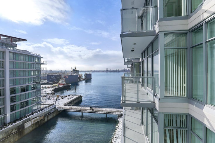702 175 VICTORY SHIP WAY - Lower Lonsdale Apartment/Condo for sale, 1 Bedroom (R2503867)