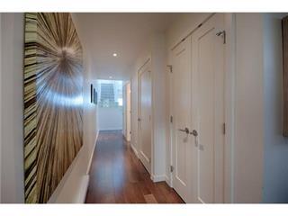 42 2250 Folkestone Way - Panorama Village Apartment/Condo for sale, 2 Bedrooms (V995266)