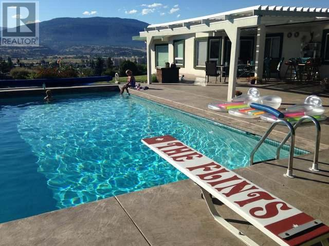 176 PINEVIEW ROAD - Penticton House for sale, 4 Bedrooms (167692)