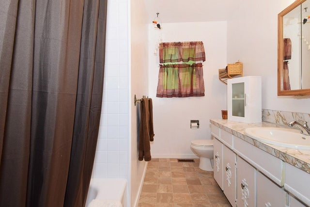 7074 114A STREET - Sunshine Hills Woods House/Single Family for sale, 3 Bedrooms (R2088211) #11