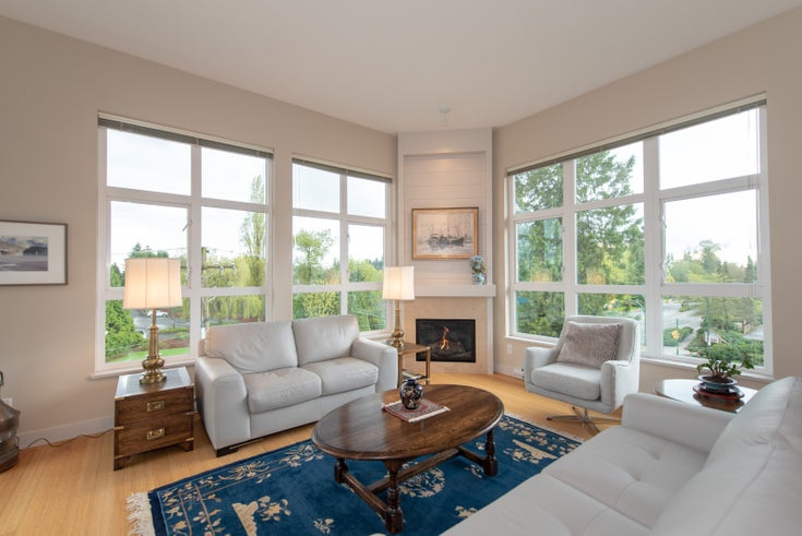 402 - 3732 MOUNT SEYMOUR PARKWAY - Indian River Apartment/Condo for sale, 2 Bedrooms (R2273963)