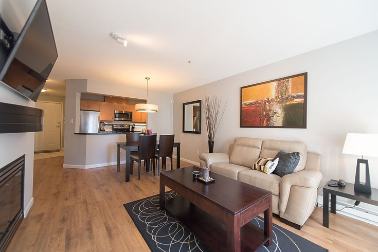 211-108 W Esplanade Ave - Lower Lonsdale Apartment/Condo for sale, 2 Bedrooms (R2158923)