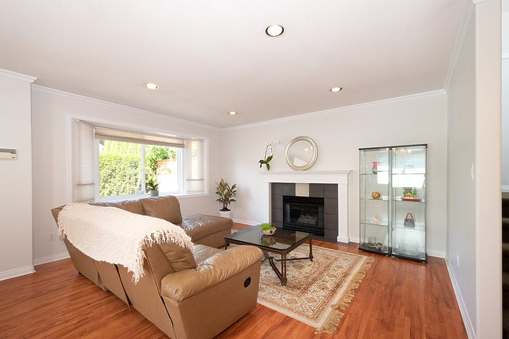 243 W 19th St - Central Lonsdale House/Single Family for sale, 3 Bedrooms (R2477523)