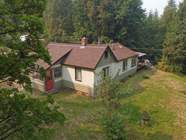 7320 HARROP-PROCTER ROAD - Procter House for sale, 3 Bedrooms (2460284)