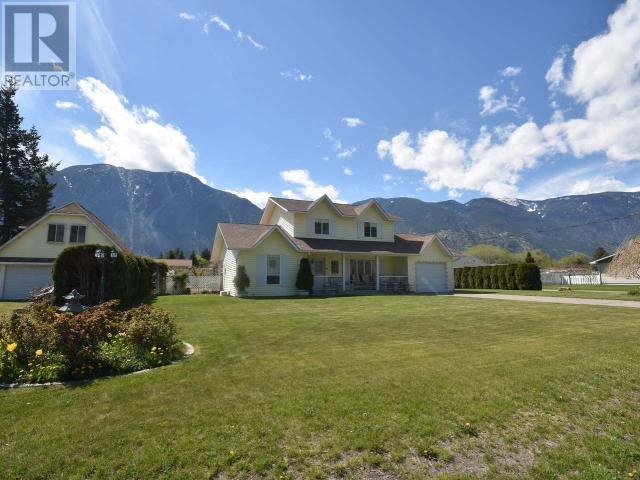 715 SPARKS DRIVE - Keremeos House for sale, 3 Bedrooms (166426)