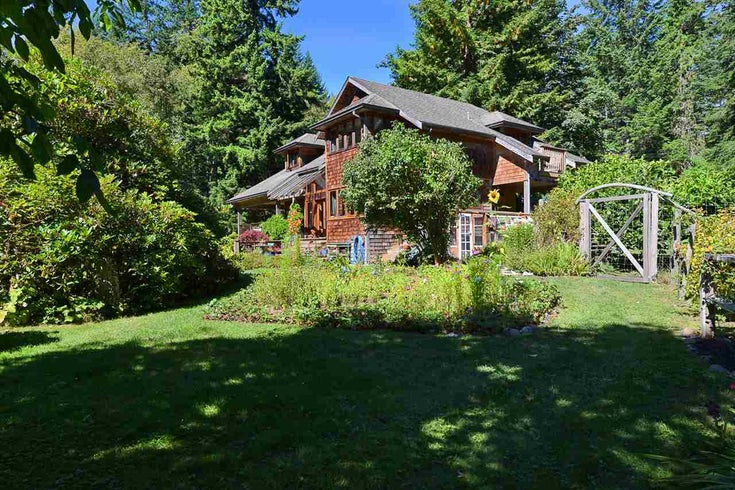 1835 HANBURY ROAD - Roberts Creek House with Acreage for sale, 3 Bedrooms (R2493853)