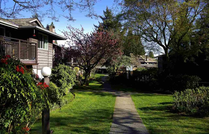 206 555 W 28TH STREET - Upper Lonsdale Apartment/Condo for sale, 2 Bedrooms (R2555478)