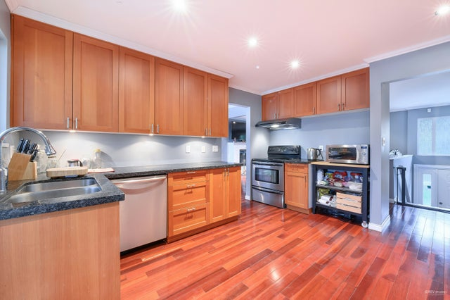 2951 St Georges AVE (TOP FLOOR), North Vancouver - Upper Lonsdale House/Single Family for sale, 3 Bedrooms